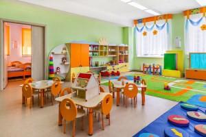 Дезинфекция помещений в детском саду, зал и спальни